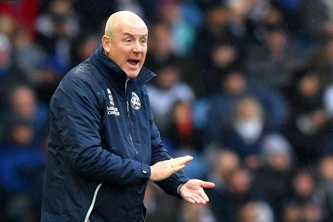 Manager Mark Warburton has set his QPR players a target of a top-ten finish in the Sky Bet Championship