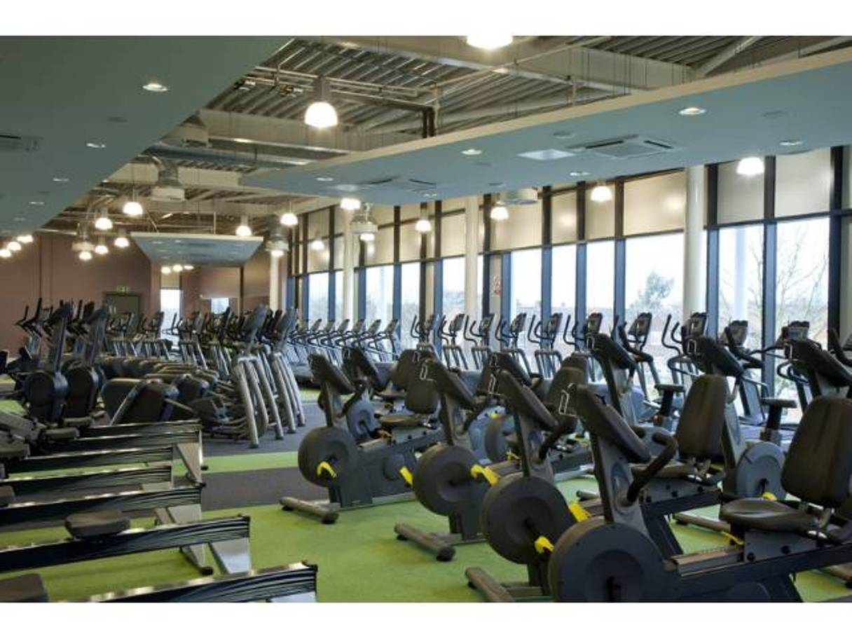 Members and non-members are welcome at the leisure centre