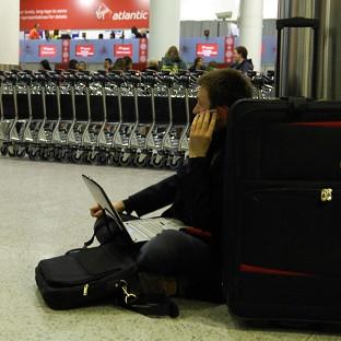 Air passengers must keep their phones charged when travelling to the US