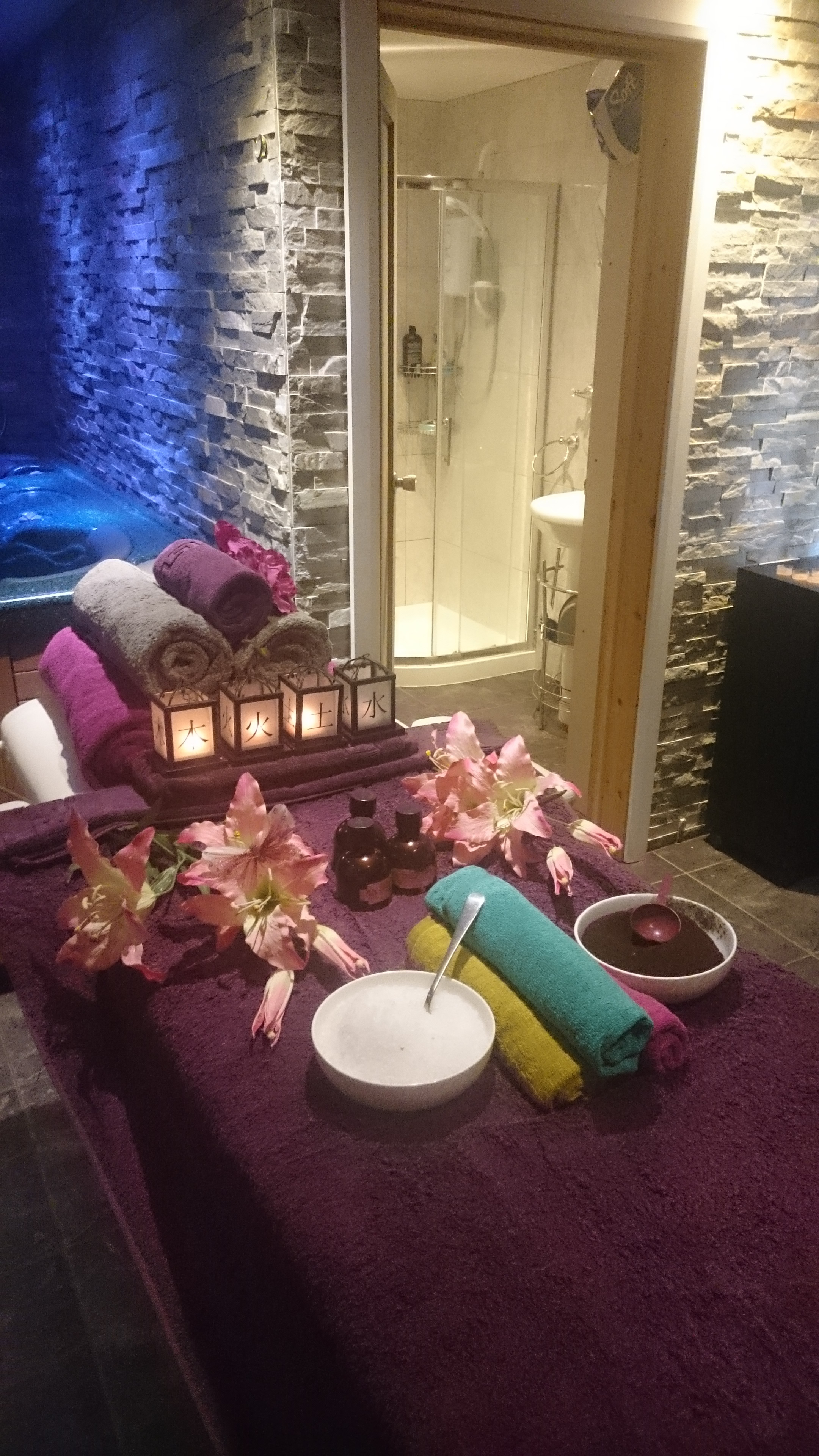 Hydrotherapy Treatment, Massage & Hot Tub Spa